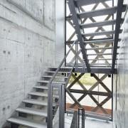 beton na klatce schodowej
